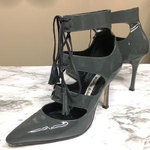 ⭐️Manolo Blahnik⭐️ Visu Gray Patent Heels